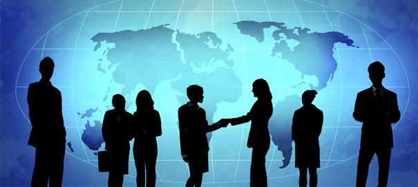 Главная задача любого руководителя - не только выбрать правильную стратегию для развития компании, но и достичь благоприятной обстановки коллектива